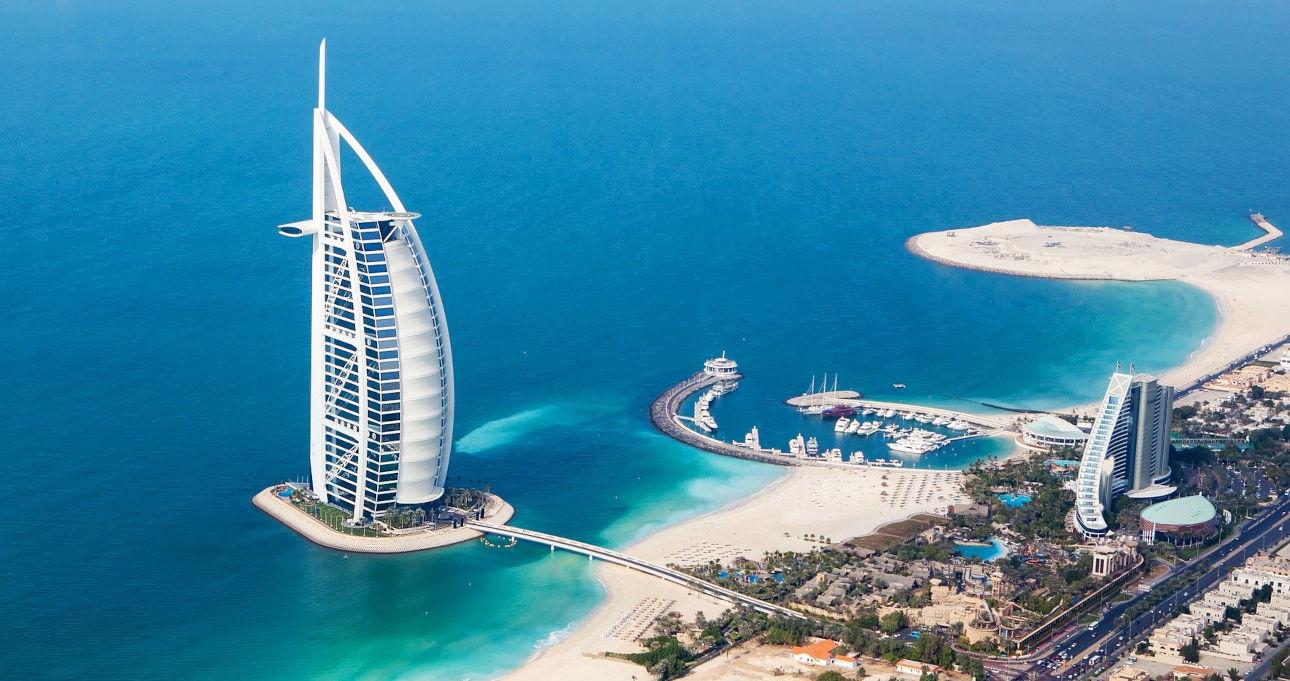 Luftaufnahme Burj al Arab und Jumeirah Beach