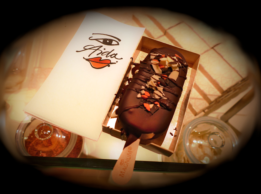 Selbst kreiertes Eis aus dem Magnum Pleasure Store auf der AIDAperla