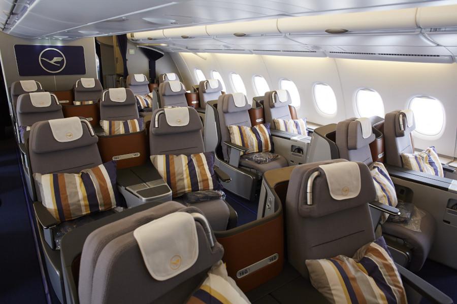 Viel Platz in der Business Class von Lufthansa