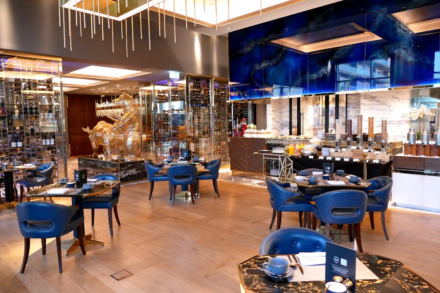 Frühstück im eleganten Waldorf Astoria DIFC in Dubai