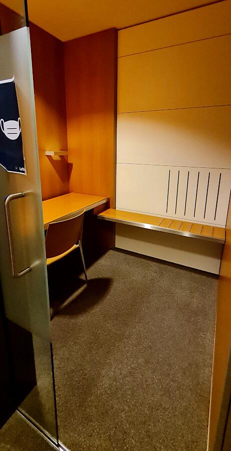 Arbeitsplatzkabine in der Lufthansa Business Class Lounge A 26 in Frankfurt