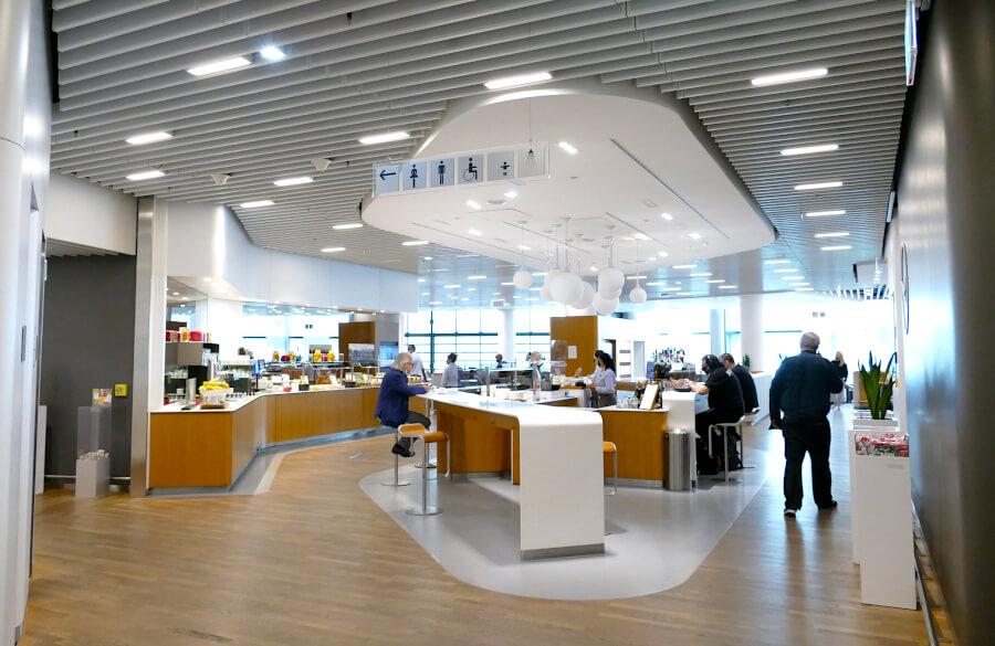 Hauptbereich Lufthansa Business Class Lounge A 13 in Frankfurt