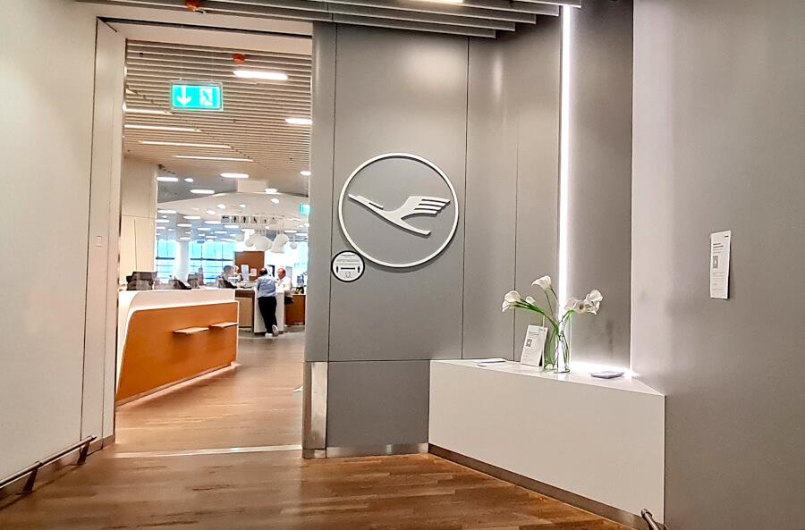 Eingang Lufthansa Business Class Lounge A 13 in Frankfurt