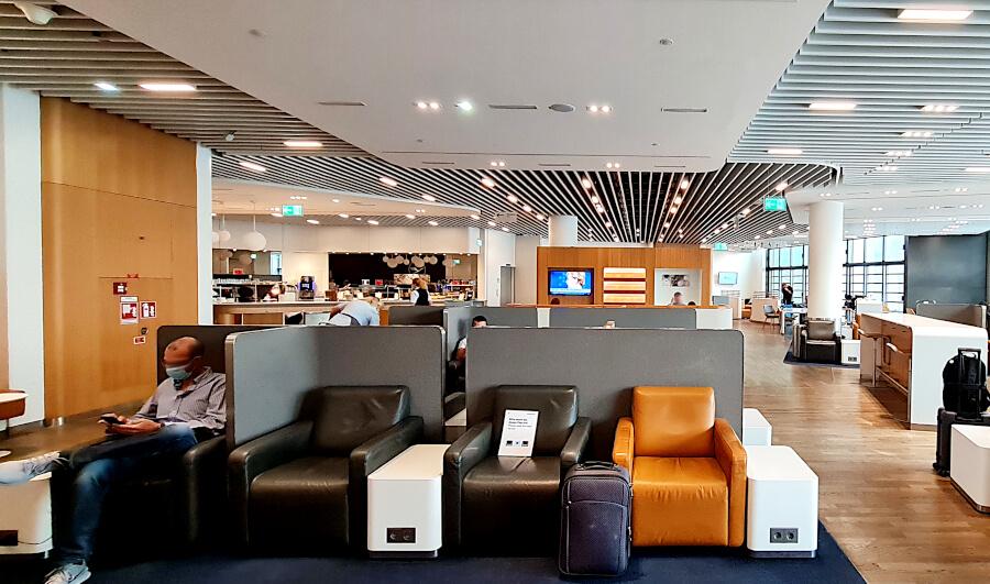 Relax- und Arbeitsbereich Lufthansa Business Class Lounge A 13 in Frankfurt